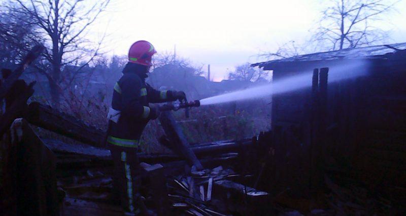 На Хмельниччині минулої доби вогнеборці тричі ліквідовували пожежі