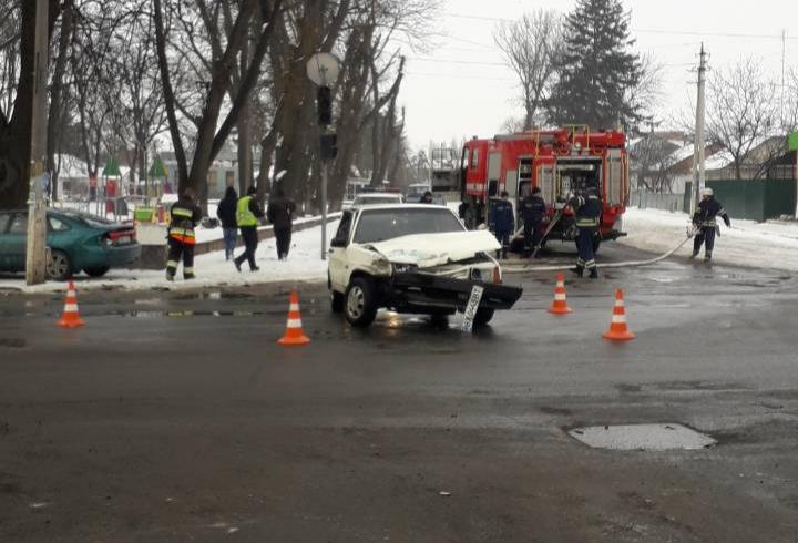 В Летичеві зіткнулись легкові автомобілі Mazda та Ваз 2109