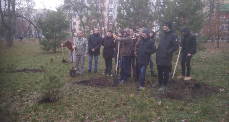 Лісівники допомогли учням увічнити пам'ять … парком