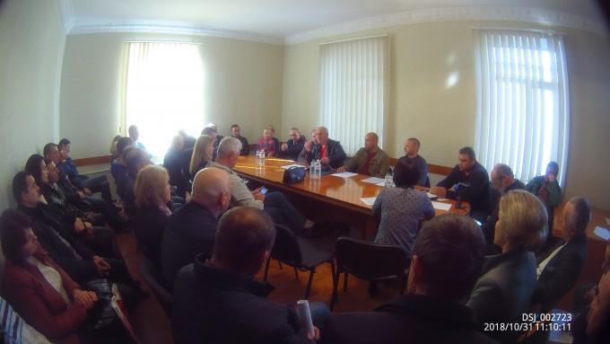 В Кам'янець - Подільському районі відбувся круглий стіл щодо питань правового регулювання галузі бджільництва