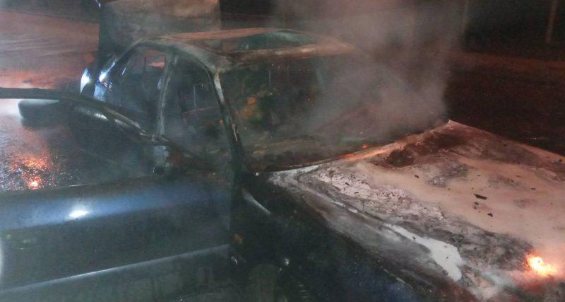 Шепетівський район: вогнеборці ліквідували пожежу легкового автомобіля