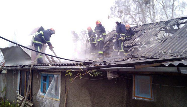 м.Нетішин: вогнеборці ліквідували пожежу допоміжної споруди