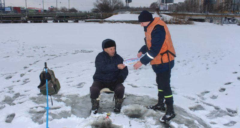 Рятувальники не втомлюються попереджати про небезпеку, що приховує лід