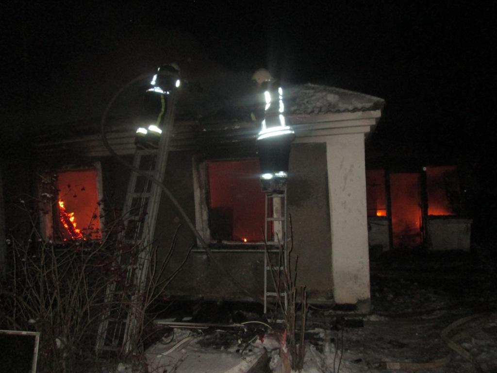 Під час ліквідації пожежі було врятовано 76-річного чоловіка