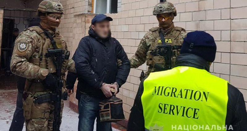 Хмельницькі правоохоронці видворили за межі країни «кримінального авторитета» на прізвисько Тімур