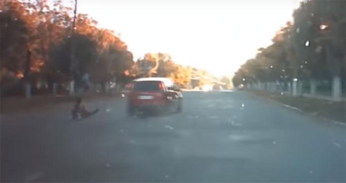 """Шепетівський суд відмовився судити тюремника, який зухвало на """"зебрі"""" збив двох пішоходів"""