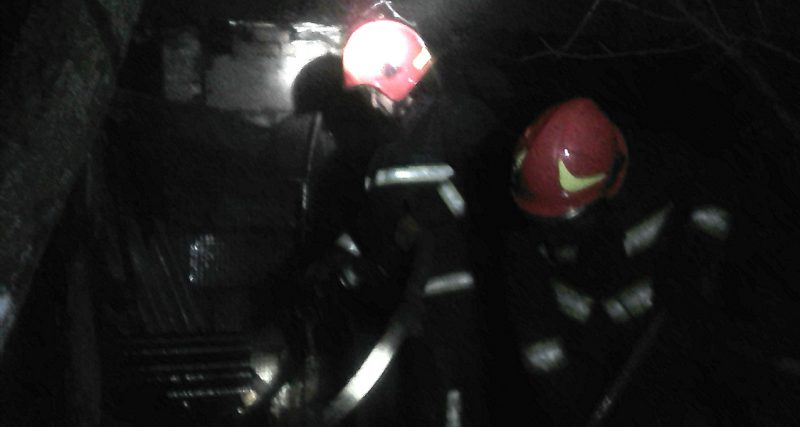 Шепетівка: рятувальники ліквідували пожежу господарчої будівлі