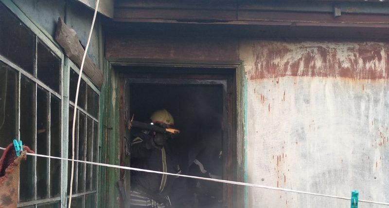 Село Бражинці: полонські рятувальники врятували будинок від знищення вогнем