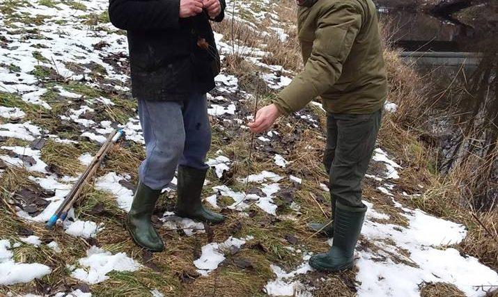 На Хмельниччині на водоймах виявили понад сотню метрів сіток