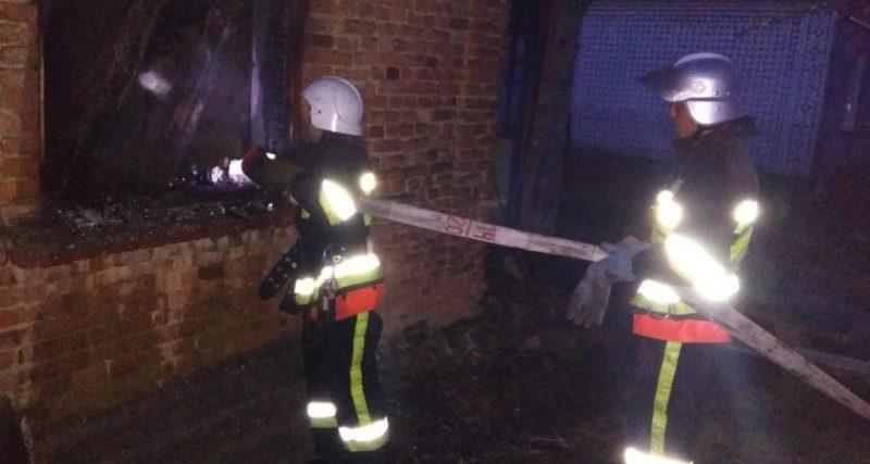 8 березня вогнеборці Хмельниччини вдало ліквідували дві пожежі