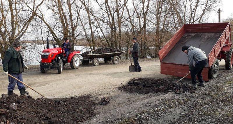 Ще два села Грицівської ОТГ своїми силами ремонтували дорогу