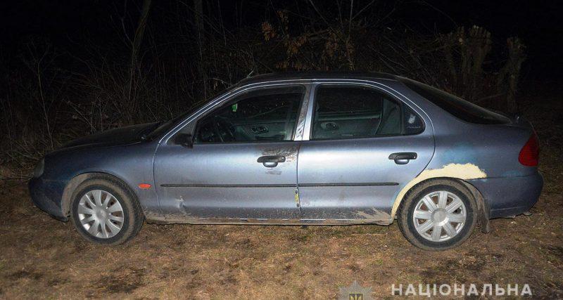 На Хмельниччині 21-річна зловмисниця з подругою викрали «Ford Mondeo»