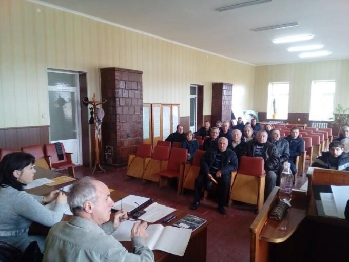 У Старокостянтинівському районі та Старій Синяві відбулися наради з пасічниками