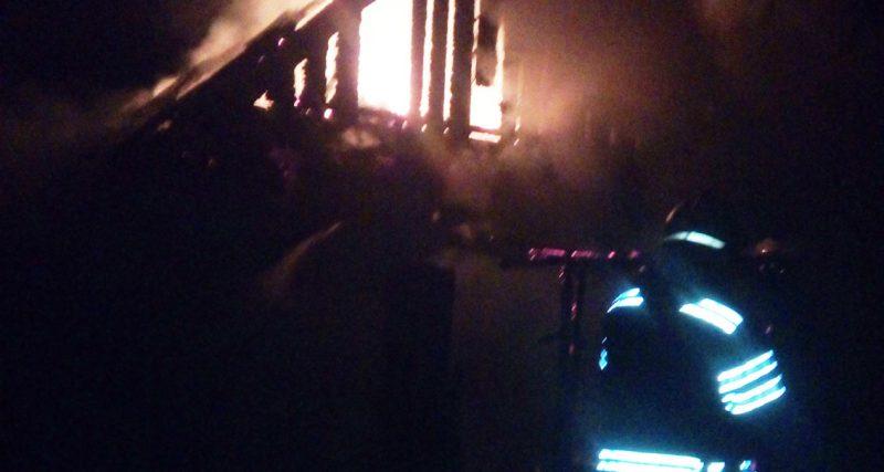 Полонне: вогнеборці ліквідували пожежу житлового будинку