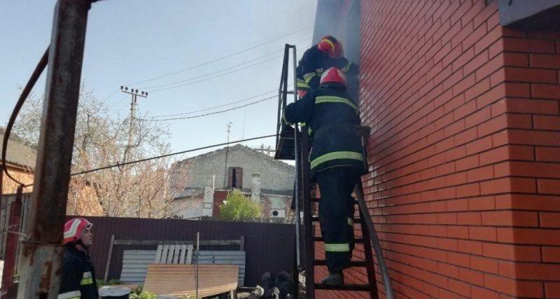 Деражня: рятувальники ліквідували пожежу господарчої споруди