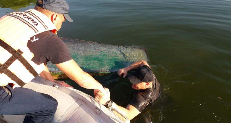 На Хмельниччині рятувальники дістали із води трьох, один чоловік загинув