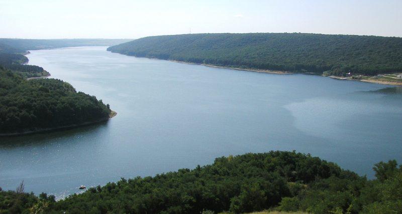 панорама водойми Дністровське водосховище