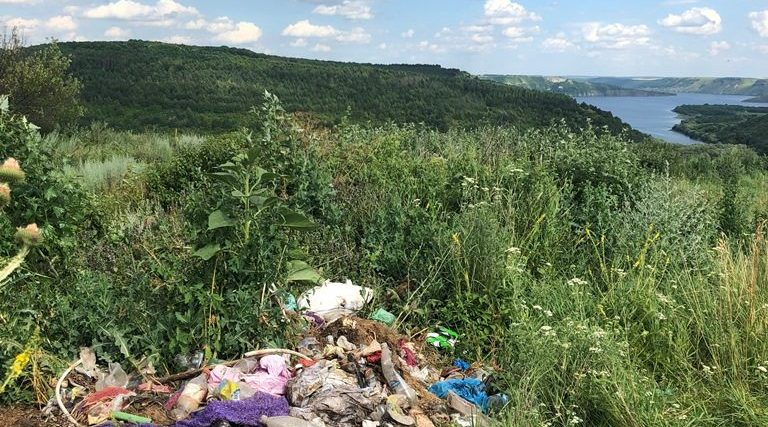 На Кам'янеччині селяни свідомо забруднюють довкілля
