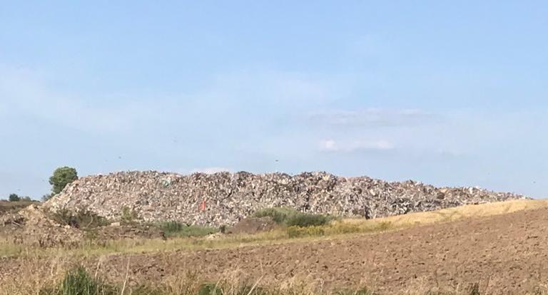 Львівське сміття заполонило сміттєзвалище Старокостянтинова