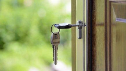Відгукнувся на оголошення про загублені ключі й пограбував квартиру: суд ухвалив вирок жителю Понінки